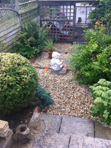 'eeeeeek mummy is still gardening - I'm getting wet'