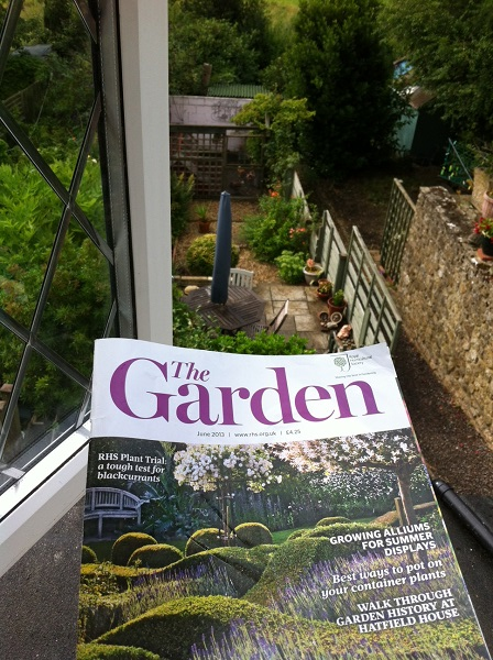 Bet you can't even tell which bits our garden and which bits the magazine cover (humour us please)